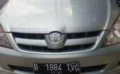 DKI Jakarta, Toyota Kijang Innova G 2006 kondisi terawat