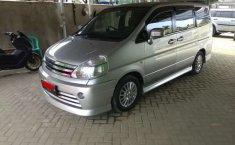 Dijual mobil bekas Nissan Serena Highway Star Autech, Jambi