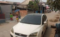 Jual mobil bekas murah Ford Focus Sporty 2000 di Sumatra Selatan