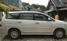 Jual cepat Toyota Kijang Innova V Luxury 2013 di Sulawesi Selatan