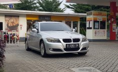 Jual mobil BMW 3 Series 320i 2009 murah di DKI Jakarta