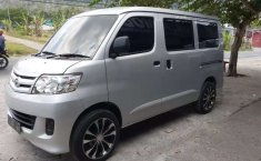 Mobil Daihatsu Luxio 2013 D terbaik di Jawa Timur