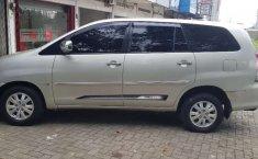Jual cepat Toyota Kijang Innova V Luxury 2010 di Sumatra Selatan