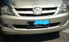 Mobil Toyota Kijang Innova 2005 2.0 G dijual, Jawa Timur