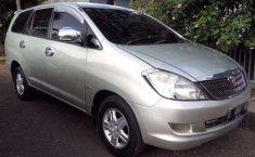 Jual cepat Toyota Kijang Innova E 2.0 2005 di Jawa Barat