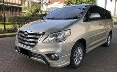 Jual mobil Toyota Kijang Innova V Luxury 2014 bekas, Jawa Timur