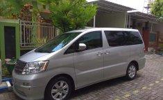 Mobil Toyota Alphard 2004 V dijual, Jawa Timur