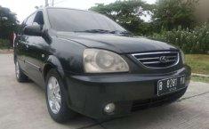 Mobil Kia Carens 2004 dijual, Jawa Timur