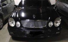 Mobil Mercedes-Benz E-Class 2005 E 200 dijual, Sumatra Utara