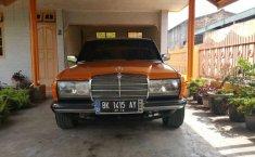 Jual Mercedes-Benz E-Class E 200 1986 harga murah di Sumatra Utara