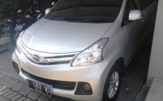 Jual mobil Daihatsu Xenia R Family 2014 harga murah di Jawa Timur