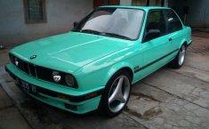 DKI Jakarta, dijual mobil BMW E30 3 Series 318i M10 1990 bekas