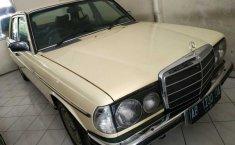 Jual mobil Mercedes-Benz E-Class 260 TIGER 1990 bekas, DI Yogyakarta