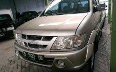 Jual mobil Isuzu Panther GRAND TOURING 2004 harga murah di DIY Yogyakarta