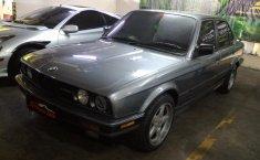 Jual mobil bekas BMW 3 Series 318i 1991 dengan harga murah di DKI Jakarta