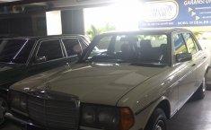 Jual mobil Mercedes-Benz E-Class 280 E 1985 murah di DKI Jakarta