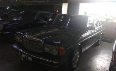 Jual mobil bekas murah Mercedes-Benz 200E 2.0 Manual 1979 di DKI Jakarta
