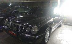 Jual mobil bekas murah Mercedes-Benz E-Class E 320 1998 di DKI Jakarta