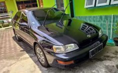 Mobil Toyota Corona 1996 terbaik di Jawa Tengah