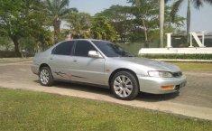 Mobil Honda Accord 1996 2.0 terbaik di Jawa Timur