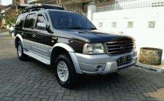 Mobil Ford Everest 2005 XLT terbaik di Jawa Timur