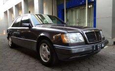 Dijual mobil bekas Mercedes-Benz E-Class E 320, Jawa Barat