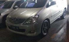 Jual mobil bekas Toyota Kijang Innova 2.4G 2010 dengan harga murah di DKI Jakarta