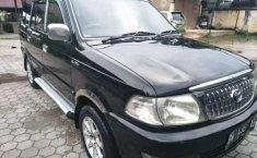 Mobil Toyota Kijang 2004 Kapsul terbaik di Riau