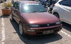 Mobil Toyota Corolla 1992 terbaik di Jawa Barat