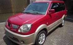 Jual mobil Mitsubishi Kuda Grandia 2004 harga murah di Jawa Barat