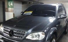Jual mobil bekas Mercedes-Benz M-Class ML 230 2002 dengan harga murah di DKI Jakarta