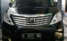 DIY Yogyakarta, Toyota Alphard G 2010 kondisi terawat