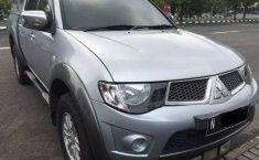 Mobil Mitsubishi Triton 2010 dijual, Jawa Timur