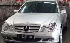 Jual cepat Mercedes-Benz E-Class E 200 K 2006 di DKI Jakarta