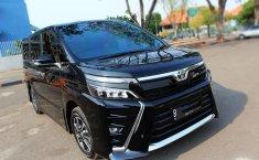 Jual cepat mobil Voxy 2018 di DKI Jakarta