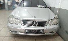 Jual mobil bekas murah Mercedes-Benz C-Class C200 2001 di Sumatra Utara