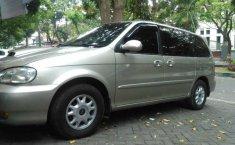 Mobil Kia Carnival 2001 GS dijual, Jawa Timur