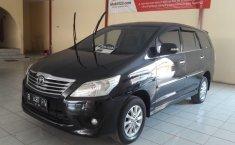 Jual mobil Toyota Kijang Innova 2.0 V 2013 terawat di Jawa Barat