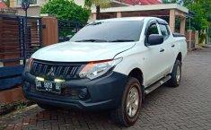 Dijual mobil Mitsubishi Strada Triton HD-X 2015 harga murah di Kalimantan Tengah