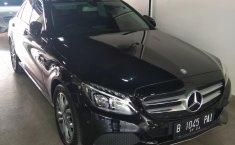 Jual mobil Mercedes-Benz C-Class C200 2017 terawat di DKI Jakarta