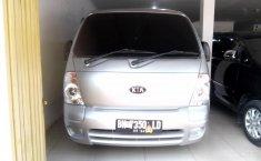 Jual mobil Kia Travello Option 2 2008 dengan harga murah di Sumatra Utara