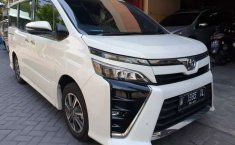 Mobil Toyota Voxy 2018 dijual, Jawa Timur