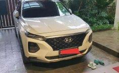 Jual mobil bekas murah Hyundai Santa Fe 2018 di Jawa Barat