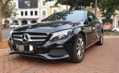 Dijual mobil bekas Mercedes-Benz C-Class C200, Banten
