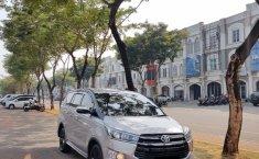 Jual cepat mobil Toyota Innova Venturer 2017 di DKI Jakarta