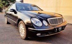 Dijual mobil bekas Mercedes-Benz E-Class 260, Jawa Tengah