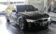 Mobil BMW 3 Series 330i M Sport 2016 dijual, Jawa Timur