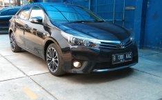 Jual Toyota Corolla Altis V 2015 terbaik di Jawa Barat