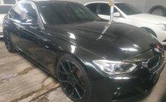 Jual mobil BMW 3 Series 320i 2013 terawat di DKI Jakarta