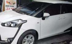 Toyota Sienta 2017 Bali dijual dengan harga termurah
